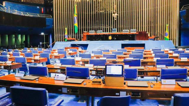 Votação de reformas fica para pós-eleição