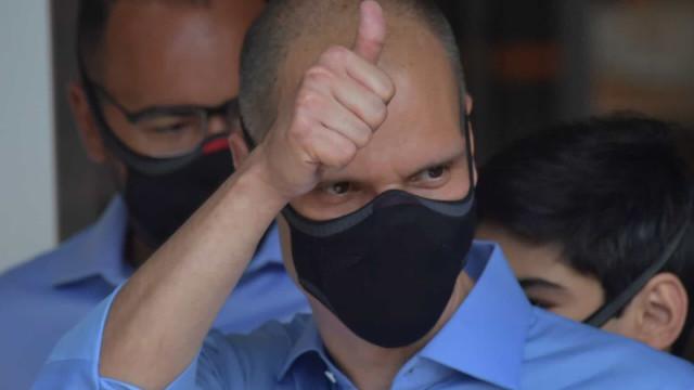 Um dia após crítica a 'negacionismo', Covas telefona para Bolsonaro
