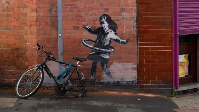 Parte de obra do artista Banksy é roubada na Inglaterra