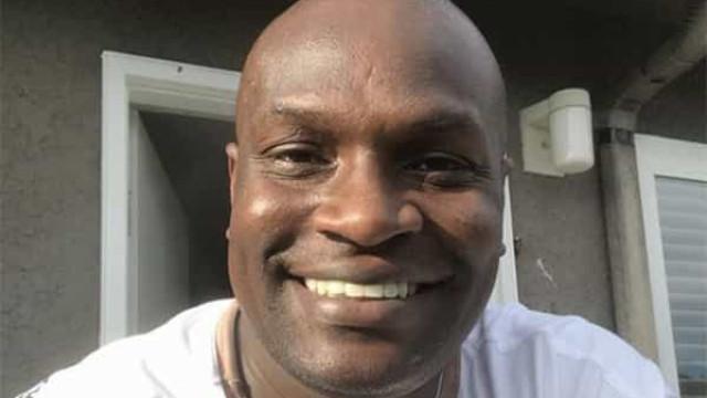 Jacaré do É o Tchan fala sobre racismo em programas de TV: 'chorava muito no camarim'