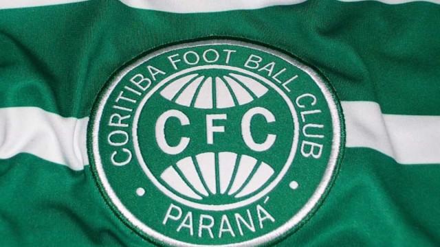 Com reforços, Coritiba enfrenta Corinthians para tentar reagir no Brasileirão