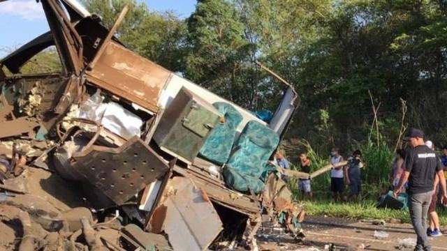 Sobe para 41 total de mortos em acidente no interior de São Paulo