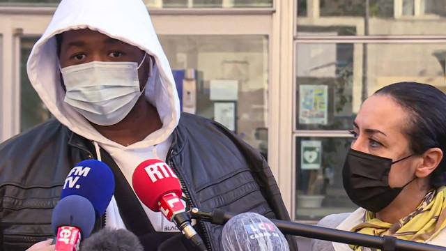Nova lei que proíbe gravar policiais fica em xeque após agressão na França