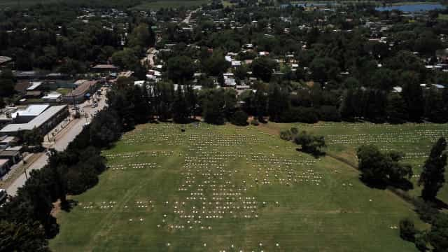 Cemitério estuda visitas guiadas para receber fãs de Maradona