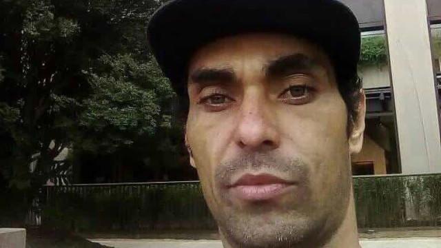 Corpo do artista NegoVila é enterrado sob forte comoção em SP