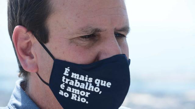 Paes já soma 64% dos votos no Rio de Janeiro