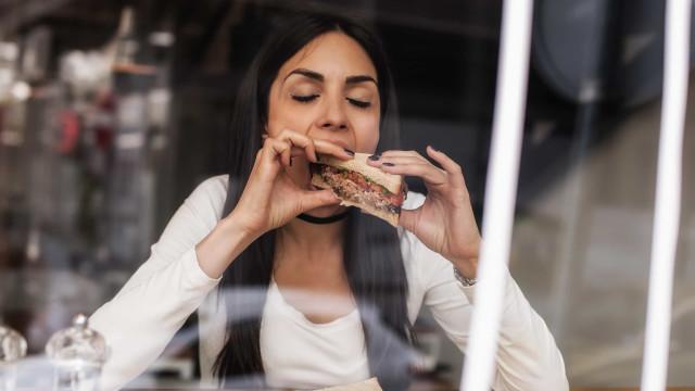 Médicos alertam: Comer pão pode provocar danos cerebrais graves