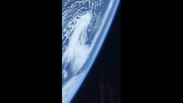 """""""De tirar a respiração"""". Astronauta vê Terra do Espaço pela primeira vez"""