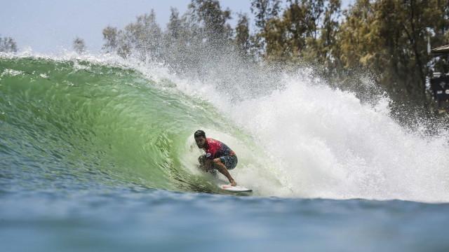 Final do Mundial de Surfe é adiada nos EUA; brasileiros brigam por título