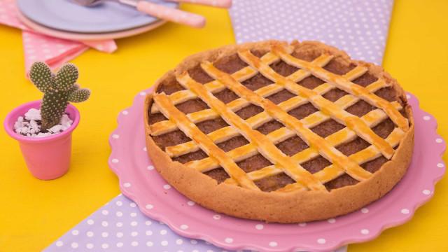 Receita: Torta Trançada de Frango com Cebola Caramelizada