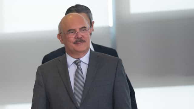 Ministro mente ao dizer que MEC não planejou tribunal ideológico para Enem