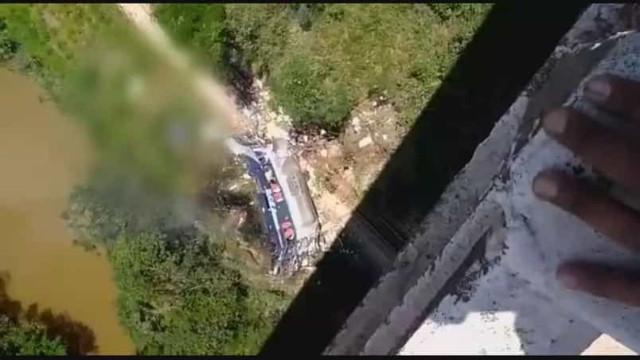 PRF confirma 14 mortes em acidente com ônibus em Minas Gerais