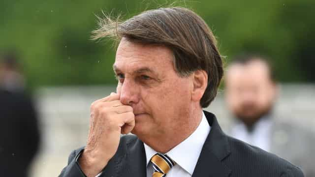 Bolsonaro sanciona lei que dá autonomia do Banco Central