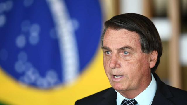 Bolsonaro defende revogação de normas ambientais em Angra