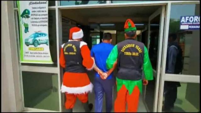 Vídeo: Papai Noel e elfos prendem traficante de droga no Peru