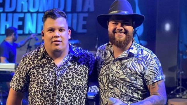 Acusada de transfobia, dupla Pedro Motta e Henrique muda letra da música