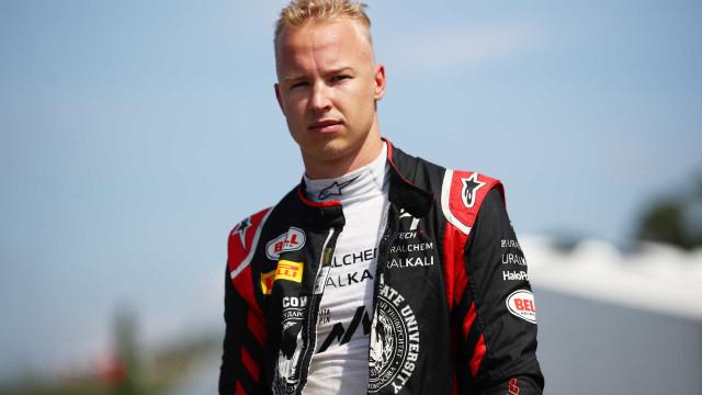 Mazepin diz que é tratado de modo diferente na F1 após polêmica sobre assédio