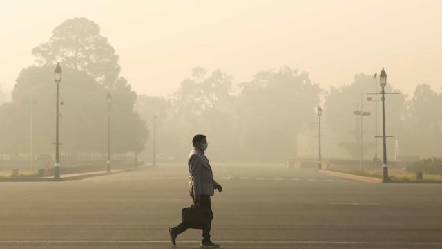 Efeitos da poluição matam quase 1,7 milhões de pessoas na Índia em 2019