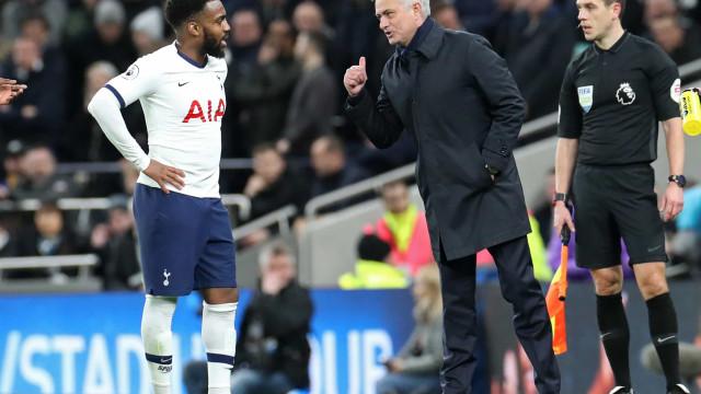 Jogador do Tottenham fica 19 horas detido após acidente de automóvel