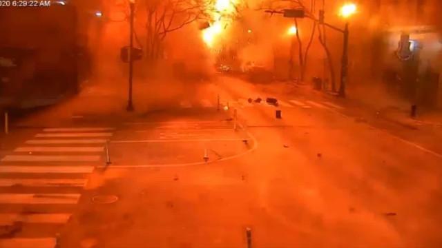 Polícia divulga vídeo de momento de explosão em Nashville