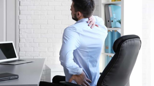 Especialista dá dicas para melhorar a postura durante o trabalho em casa