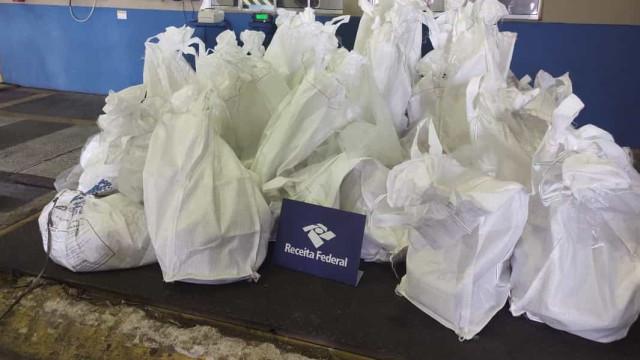 Receita intercepta 500 quilos de cocaína em carga de açúcar no Porto de Santos