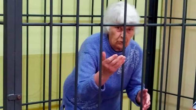 Mulher que usava carne das suas vítimas para cozinhar morre de Covid-19