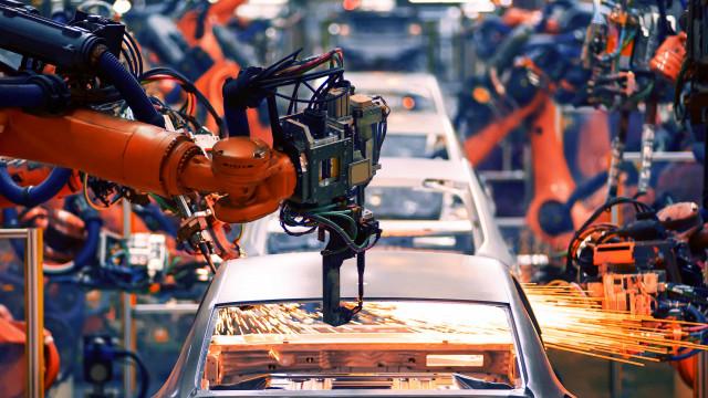 Faltam componentes para um terço das montadoras em operação no País
