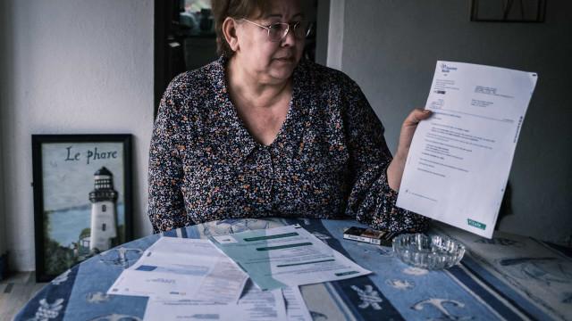 Mulher francesa há 3 anos tenta provar às autoridades que está viva