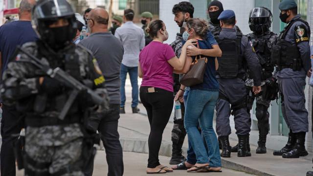 As imagens e os apelos de Manaus, que desespera sem oxigênio