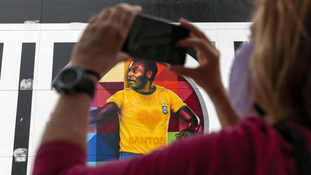 Netflix divulga data de lançamento e teaser de documentário sobre Pelé