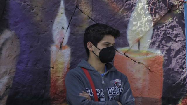 Mundo ultrapassa marca de 2 milhões de mortes por covid-19