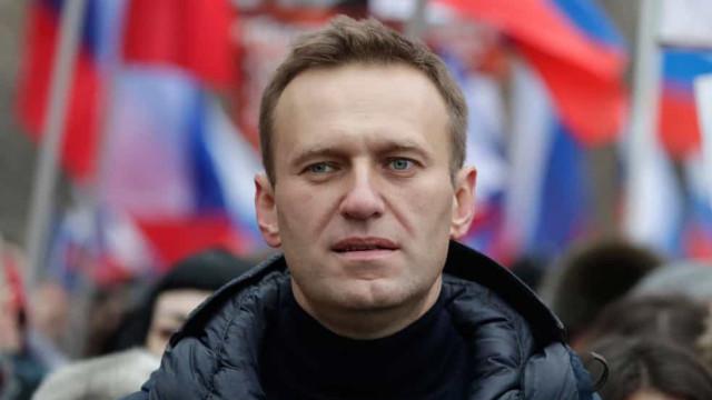 Opositor de Putin volta à Rússia e é preso no aeroporto em Moscou