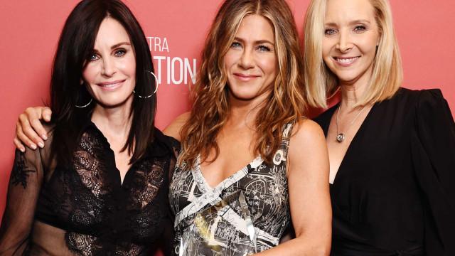 Lisa Kudrow confirma que cenas para a reunião de 'Friends' já foram gravadas