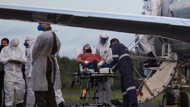 Setenta e sete pacientes com covid-19 foram transferidos do Amazonas
