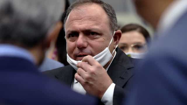 Pazuello diz que fez tudo por Manaus e reclama da imprensa