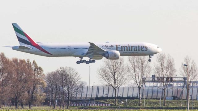 Avião com vacinas de Oxford chega ao Brasil