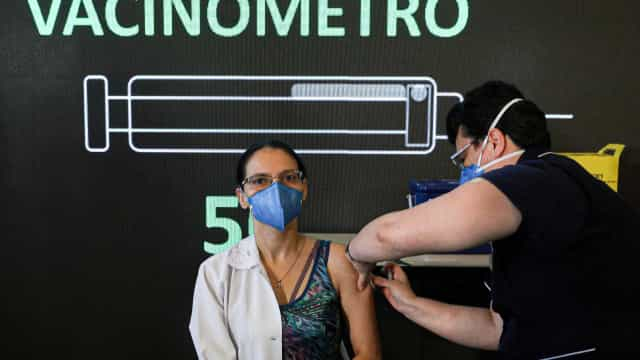Número de vacinados contra a covid-19 no Brasil chega a 580.806 pessoas