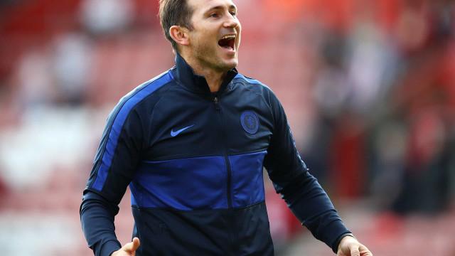 Chelsea anuncia demissão do técnico Frank Lampard após um ano e meio no cargo
