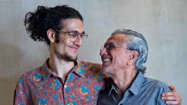 """""""Agradeço por ter um filho tão cheio de beleza"""", diz Caetano Veloso"""