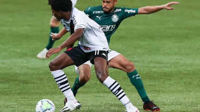 No reencontro com Luxemburgo, Palmeiras poupa titulares e empata com o Vasco