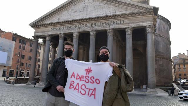 Itália registra 15.204 novos casos e 467 mortes nas últimas 24 horas
