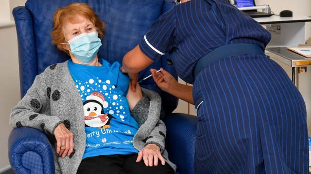 Mais de 2,4 milhões de brasileiros já receberam uma dose da vacina contra a Covid