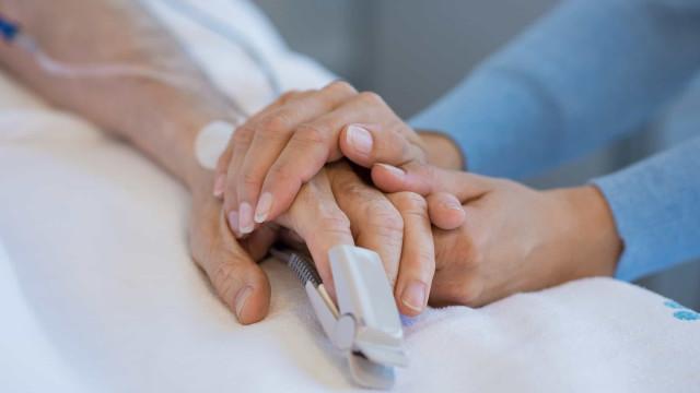Parlamento de Portugal aprova legalização da eutanásia no país