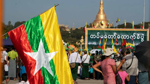 Myanmar impõe bloqueio de Internet quase total
