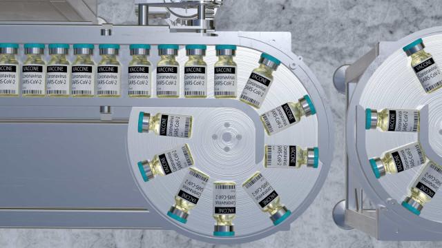 Vacina passa em teste de fábrica e Fiocruz anuncia início de produção em larga escala