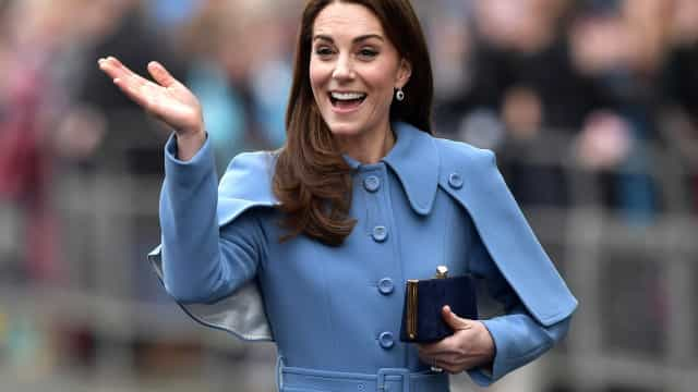 Kate Middleton usa truques para parecer mais alta