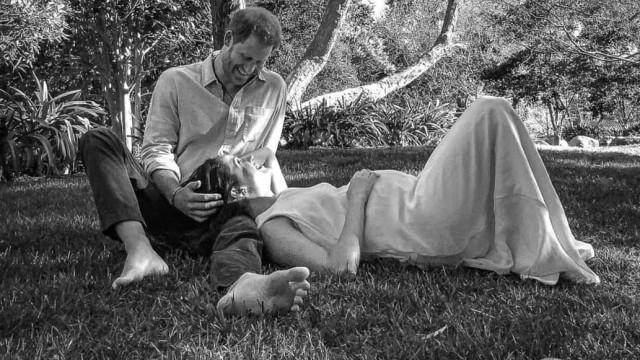 Meghan Markle e Harry fazem a primeira aparição após anúncio da gravidez