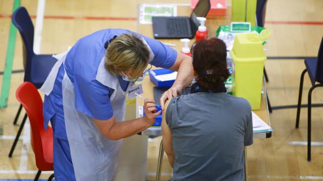 Esforço global contra Covid leva à pesquisa de vacina anti-malária de alta eficácia