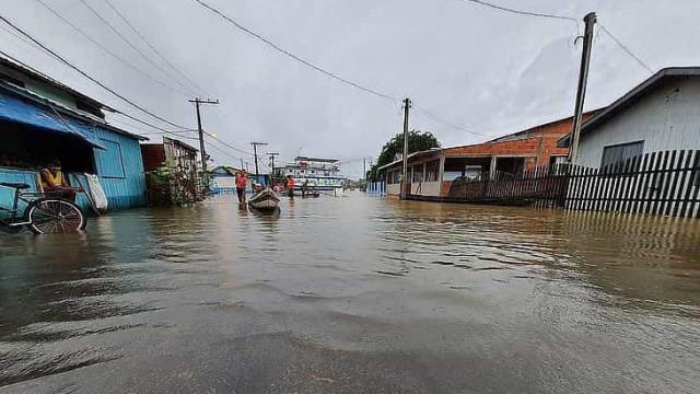 Com enchente, dengue e covid-19, Acre chega ao 6º dia em situação de emergência